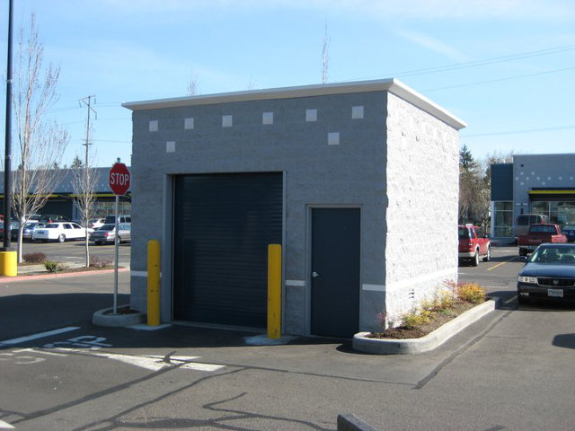 Small Commerical Block Building